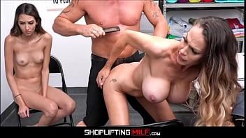Мускулистый парень радуется секс шоу коди вор на веб камеру