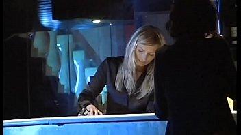 Она с наращенными ногтями показала вульву перед вебкой