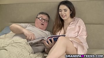 Траха видео китаяночку пердолит полпа мужчин просматривать онлайн на 1порно